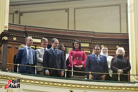 الجلسة العامة بالبرلمان (27)