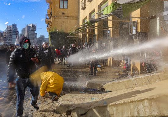 فوضى-تهيمن-على-المنطقة-المحيطة-بالبرلمان-اللبنانى