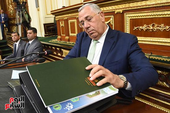 الجلسة العامة بالبرلمان (3)