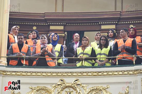 الجلسة العامة بالبرلمان (17)