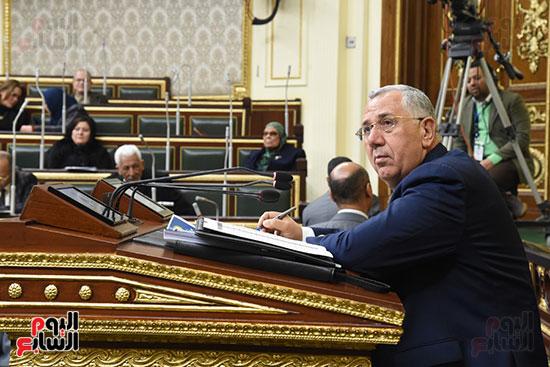 الجلسة العامة بالبرلمان (13)