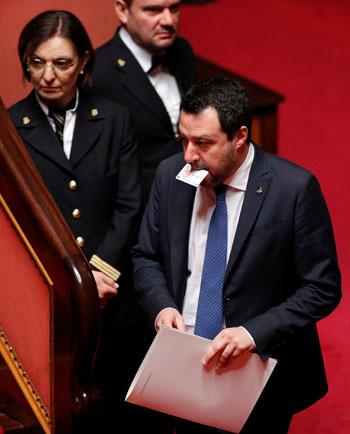 وزير-الداخلية-الإيطالى-السابق-داخل-مجلس-الشيوخ