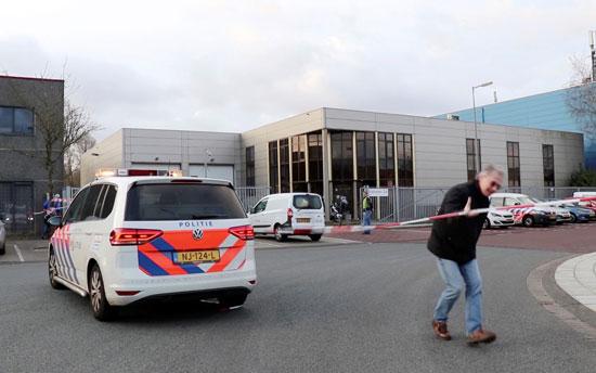 الشرطة بموقع الانفجار