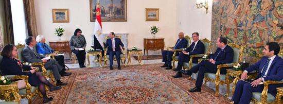 السيسى يستقبل وفد مجموعة الصداقة الفرنسية المصرية بمجلس الشيوخ الفرنسي (1)