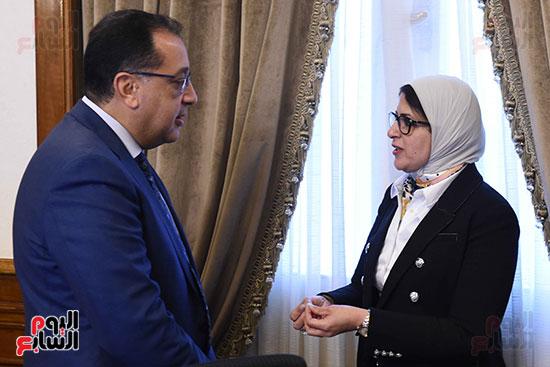 الدكتور مصطفى مدبولى رئيس الوزراء ووزيره الصحه