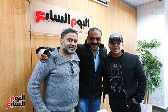عمر كمال مع الزملاء (2)