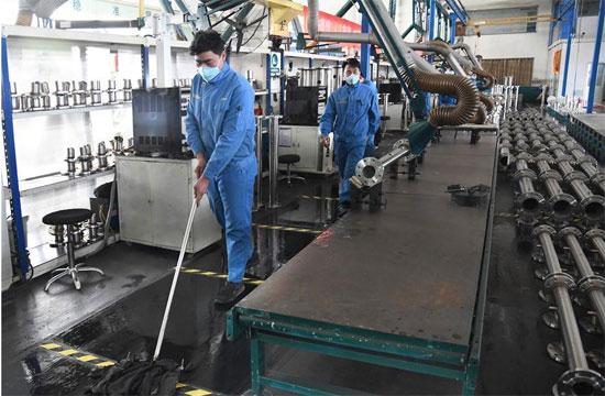 العمل باكمامة فى شركات الصين