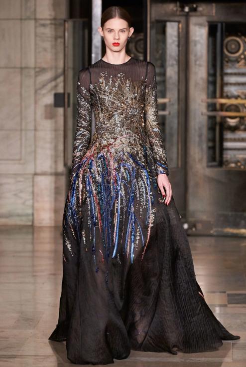 أزياء أوسكار دى لارينتا