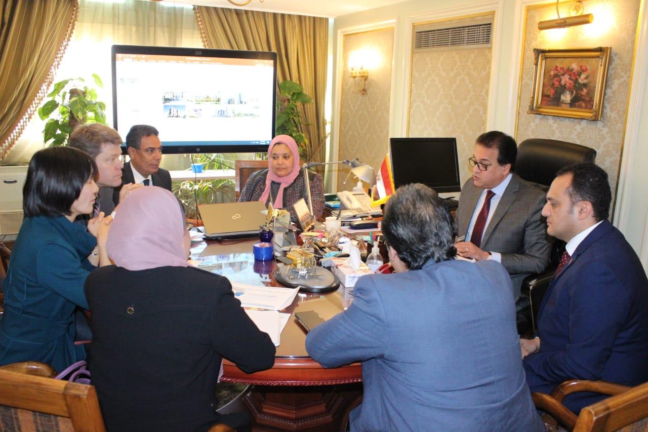 لقاء وزير التعليم العالى وممثلو البنك الدولى (3)