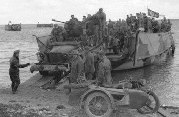 Tanks_Engineers-Boat-39