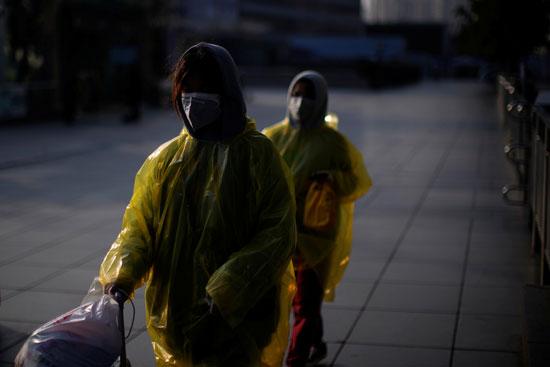 صينيات فى شوارع شنجهاى