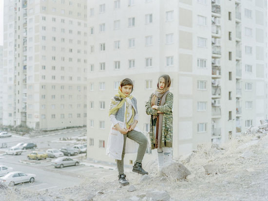 ألقى بها من السماء للمصور الإيرانى هشام شقيرى