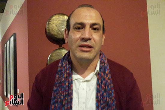 محمود هجرس منسق المعرض