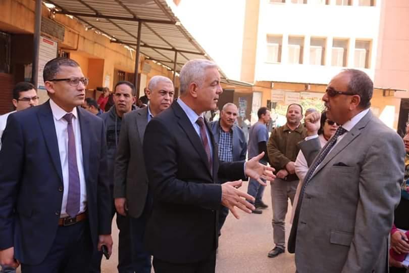 جانب من جولة رئيس جامعة المنوفية (3)