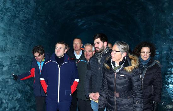 زيارة-الرئيس-الفرنسى-للنهر-الجليدى