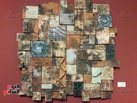 لوحات المشاركين بالمعرض