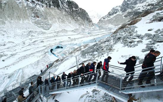 زيارة-النهر-الجليدى