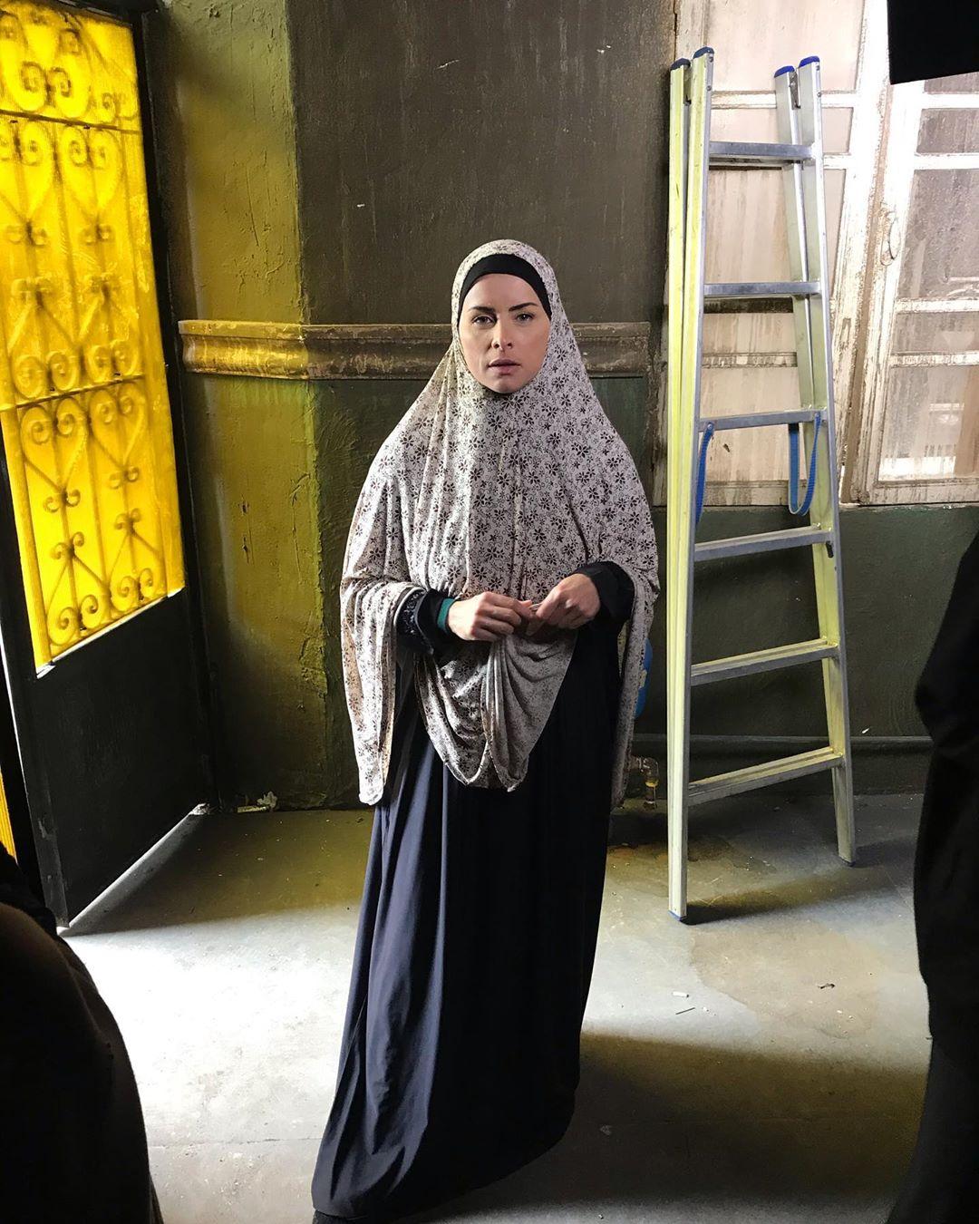 الفنانة نور بالحجاب داخل كواليس مسلسل البرنس