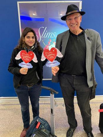 مصر للطيران تشارك المسافرين الإحتفال بعيد الحب (7)