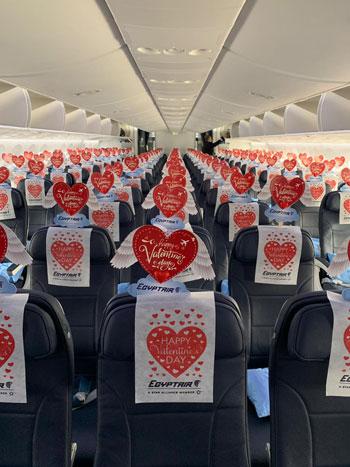 مصر للطيران تشارك المسافرين الإحتفال بعيد الحب (1)