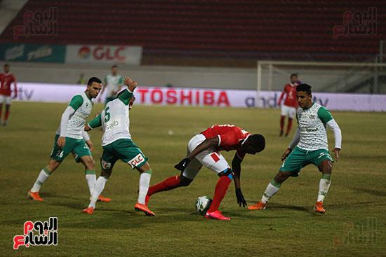 تكتل لاعبي المصري على الكرة