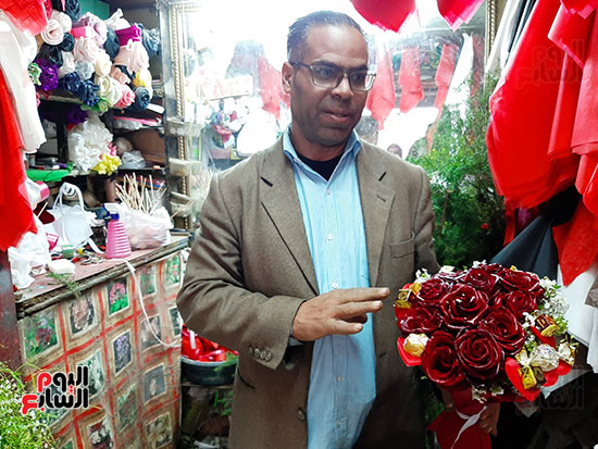 أقدم بائع ورود فى عيد الحب بالشرقية (11)