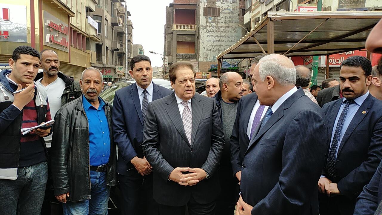 وزير التنمية المحلية ومحافظ الجيزة يفتتحان أنفاق مشاة الميدان (2)