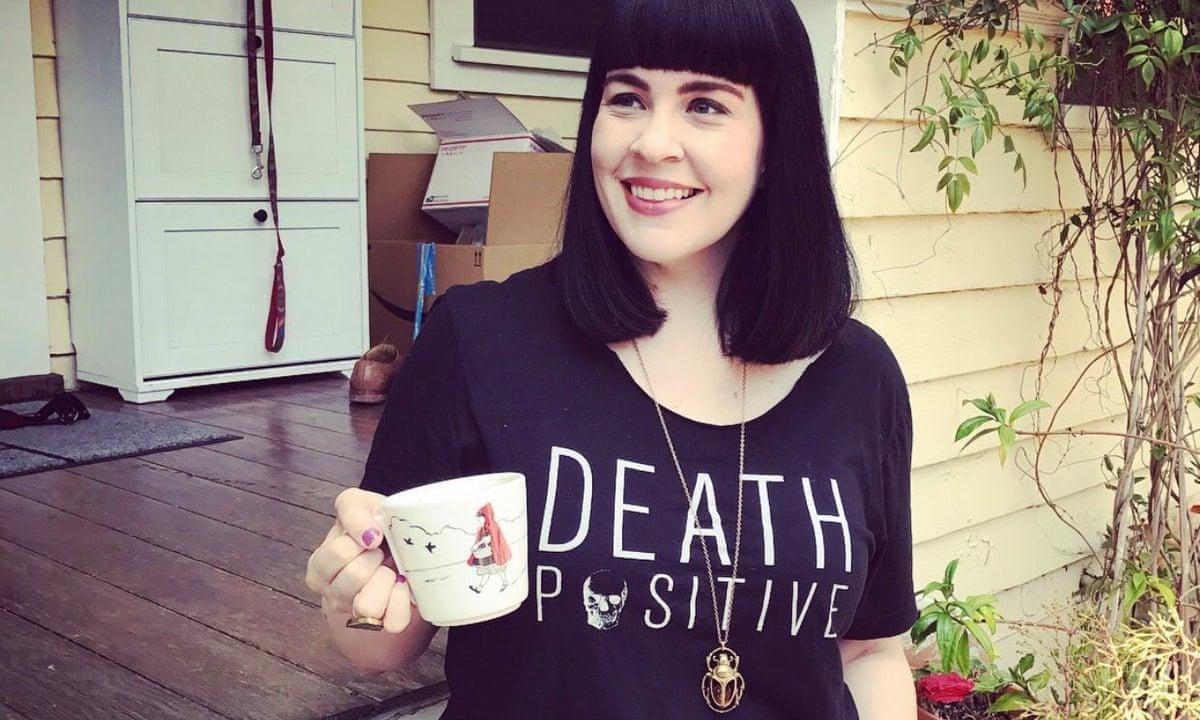 كيتلين دوتي ، مؤسسة حركة إيجابية الموت