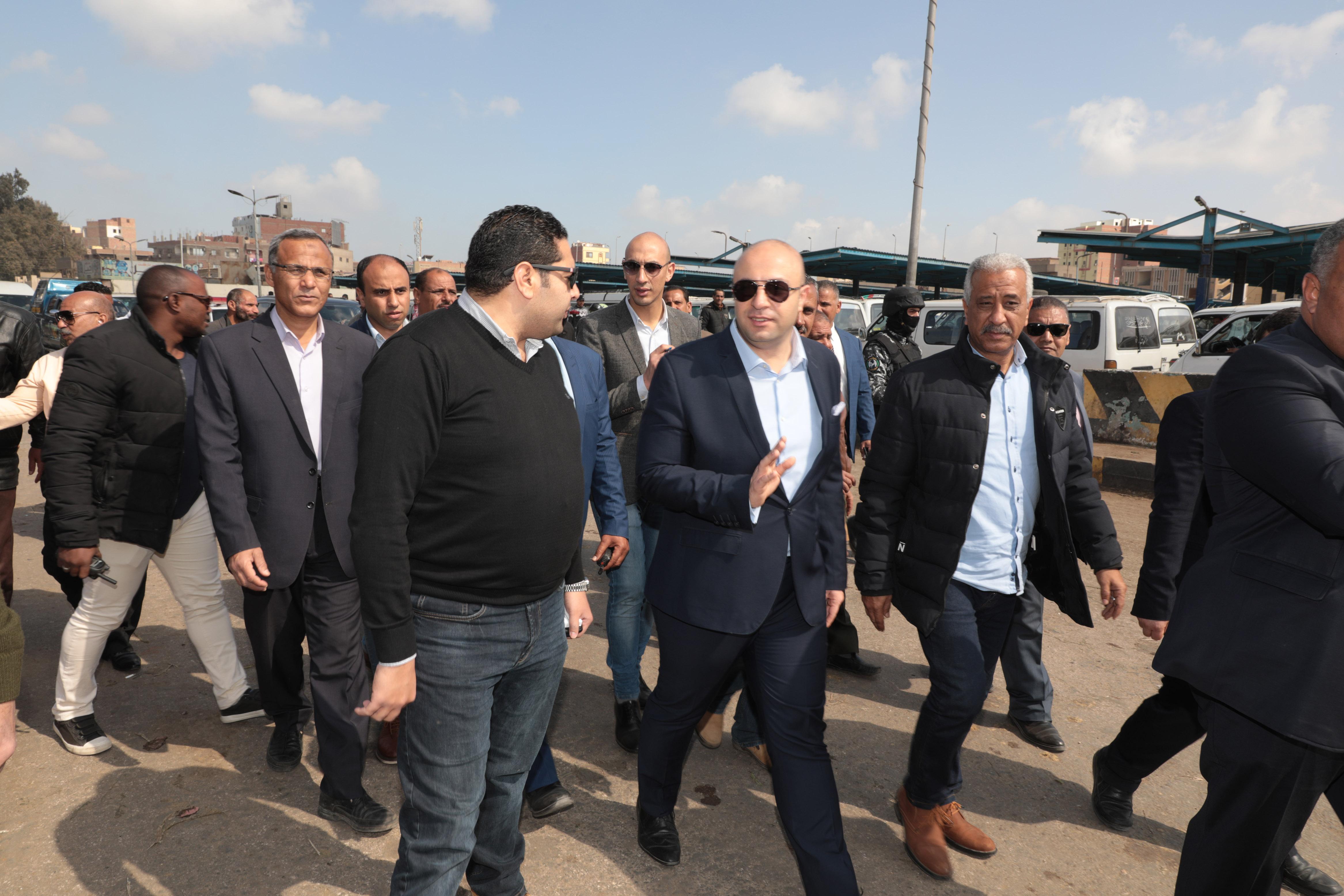 جانب من جولة الدكتور محمد هانى غنيم محافظ بنى سويف (6)