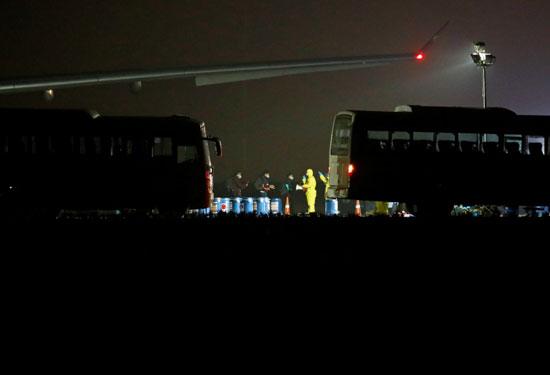 حافلات-بانتظار-القادمين-من-ووهان