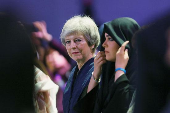 رئيسة-الوزراء-البريطانية-السابقة-تيريزا-ماى-تشارك-فى-منتدى-الإمارات