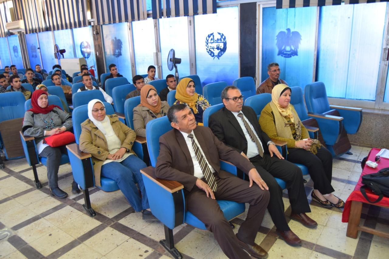 جامعة سوهاج تنظم ندوتها التوعوية الثانية عن فيروس كورونا (2)