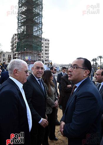 اثناء تفقد تطوير ميدان التحرير