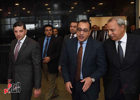 رئيس الوزراء يتفقد المنطقة الاستثمارية ببنها (9)