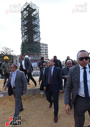جولة رئيس الوزراء فى ميدان التحرير (5)