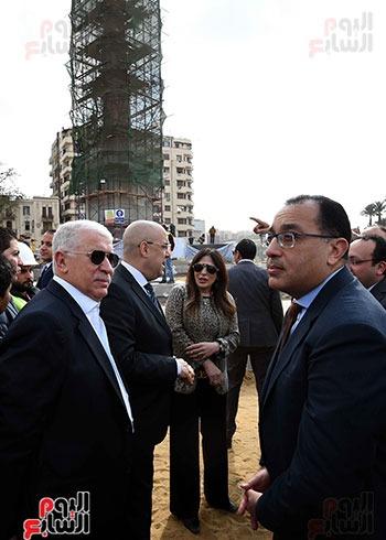 رئيس الوزراء و الوفد المرافق بالتحرير