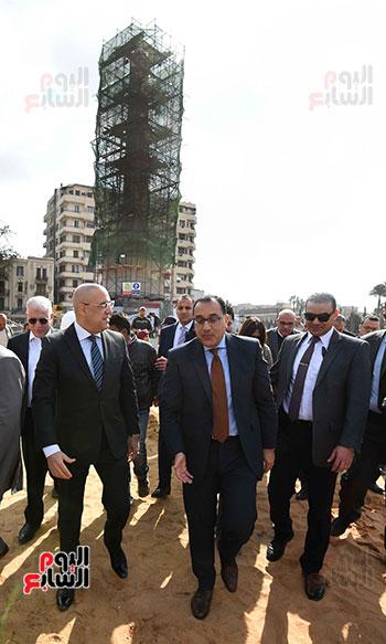 جولة رئيس الوزراء فى ميدان التحرير (12)