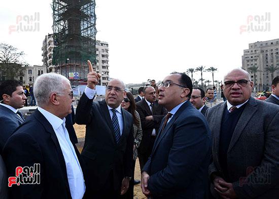 جولة رئيس الوزراء فى ميدان التحرير (8)