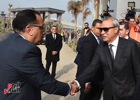 رئيس الوزراء يتفقد المنطقة الاستثمارية ببنها (5)