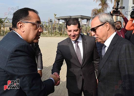 خلال استقبال المحافظ رئيس لاوزراء