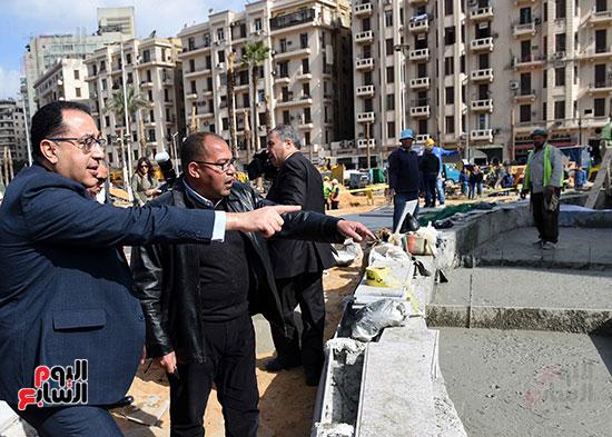 جولة رئيس الوزراء فى ميدان التحرير (1)