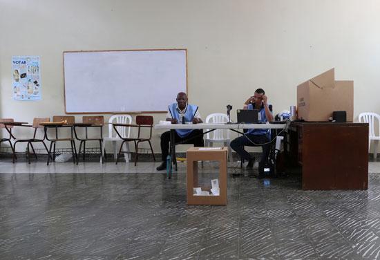 لجنة انتخابية بالدومينيكان