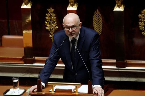 الوزير الفرنسي لإصلاح المعاشات التقاعدية لوران بيتراسوفسكي يلقي كلمة خلال المناقشة