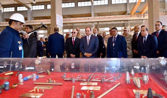 السيسى يفتتح مصنع 300 الحربى (7)