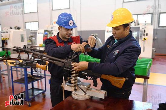 معدات وذخائر فى مشروعات جديدة افتتحها السيسي (7)