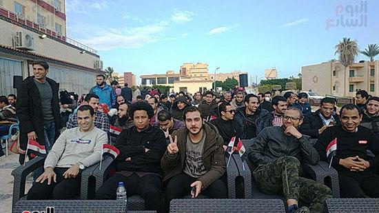 المصريون العائدون من الصين يستعدون للإجلاء
