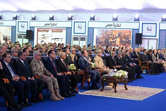 السيسى يفتتح مصنع 300 الحربى (10)