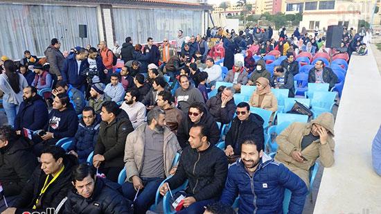 المصريون العائدون من الصين قبل مغادرة الحجر الصحى