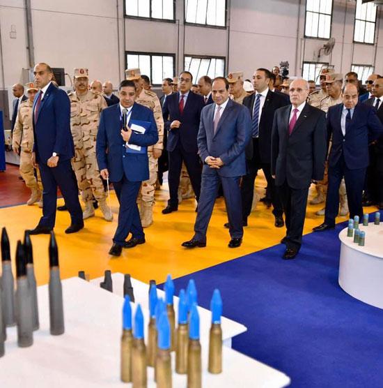 السيسى يفتتح مصنع 300 الحربى (4)