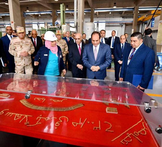 السيسى يفتتح مصنع 300 الحربى (11)